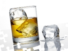 Whisky, knuckle, ice, cup